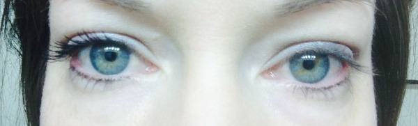 Left side with the 3D Fiber Lashes; Right side without mascara
