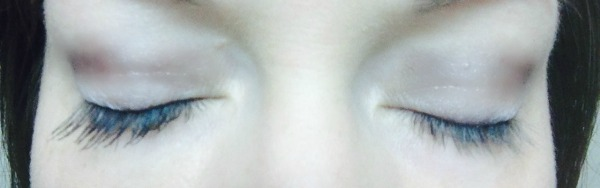 Left side with 3D Fiber Lashes; Right side no mascara.
