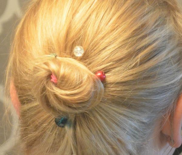 jeweled_bobby_pins