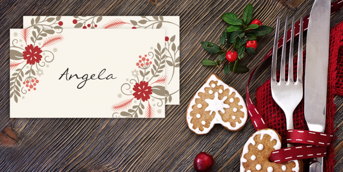These Holiday Place Cards from Hooplah House Creative would be the perfect addition to your festive holiday table! Download today!