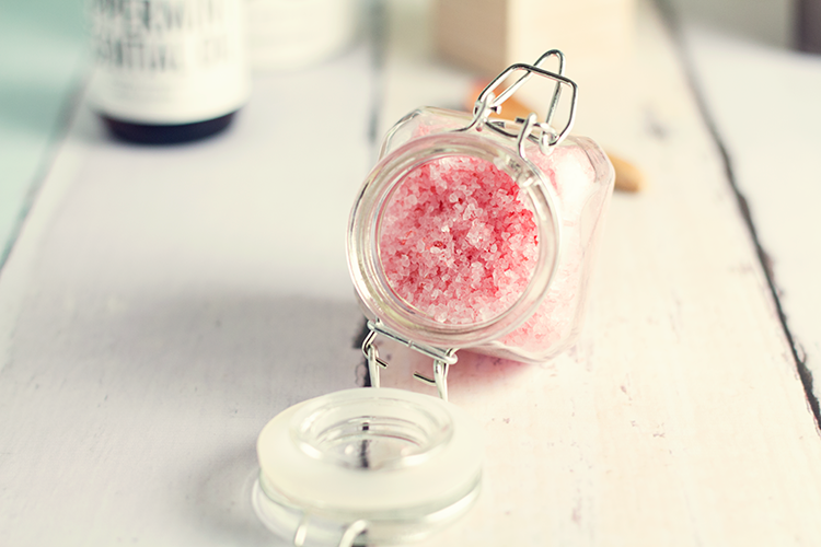 DIY Peppermint Bath Salts