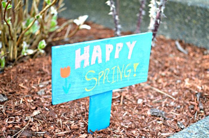 chalkboard-garden-pallet-sign