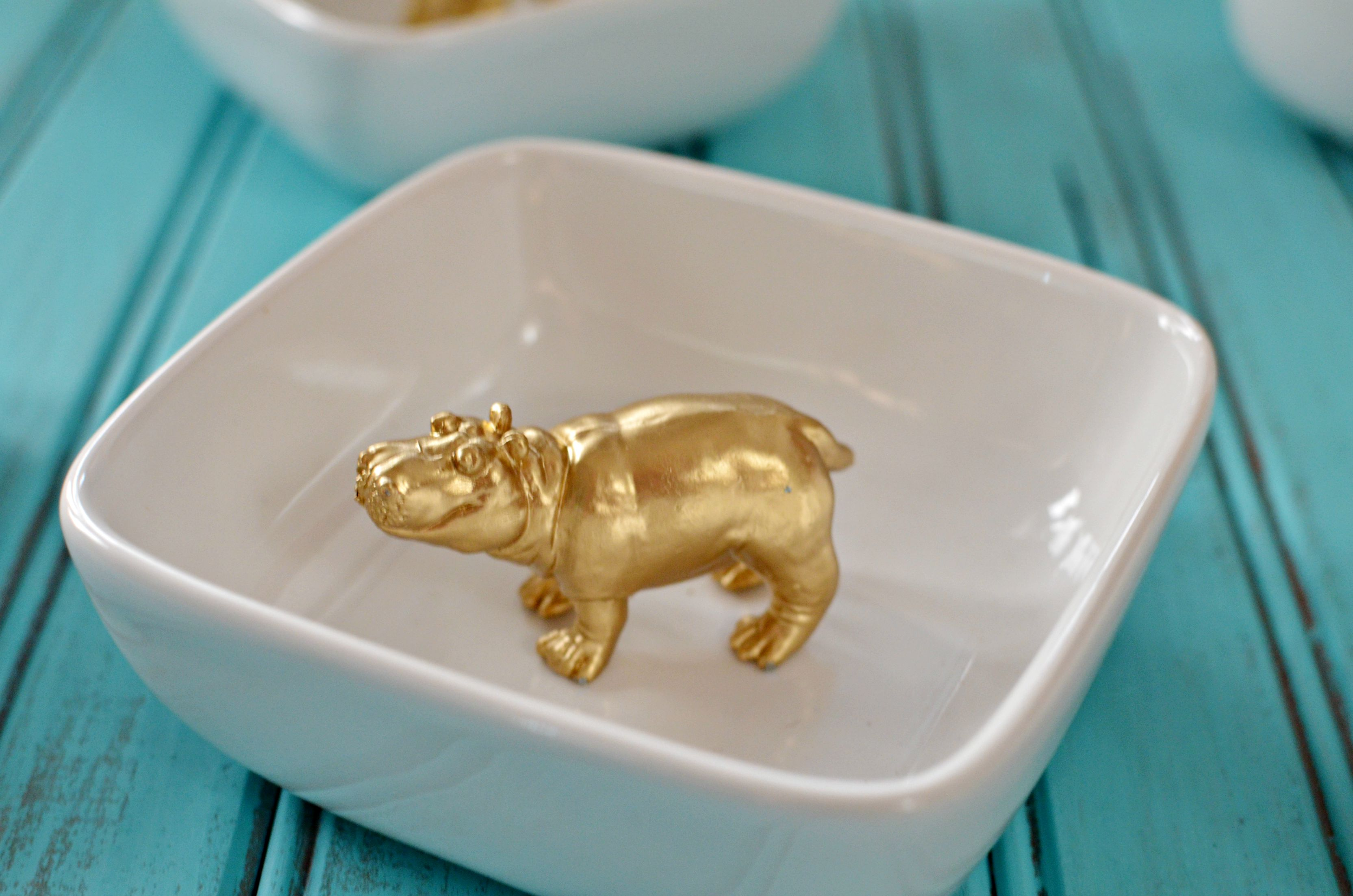 gold-hippo-ring-dish
