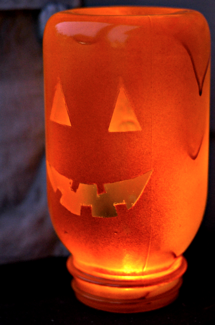Easy DIY Mason Jar Pumpkin Craft