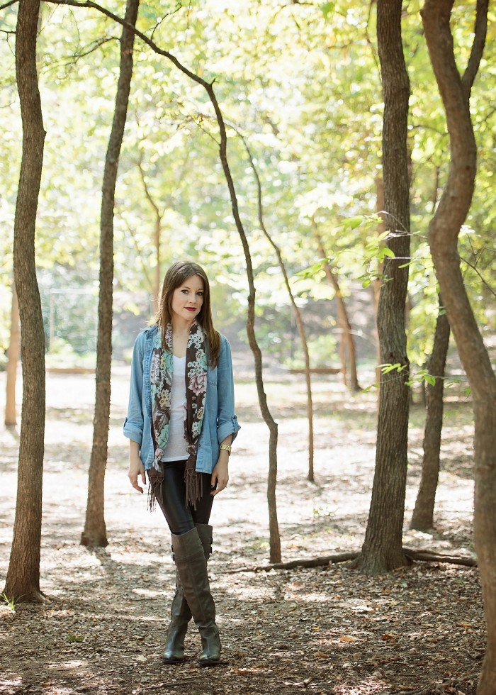 How to Wear a Chambray Shirt - Casual Look