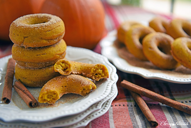 I love doughnuts! I can't help myself. LOL I'm excited to try out this healthier version from Cherry Blossom Kitchen: Baked Pumpkin Donuts! Perfect for fall!