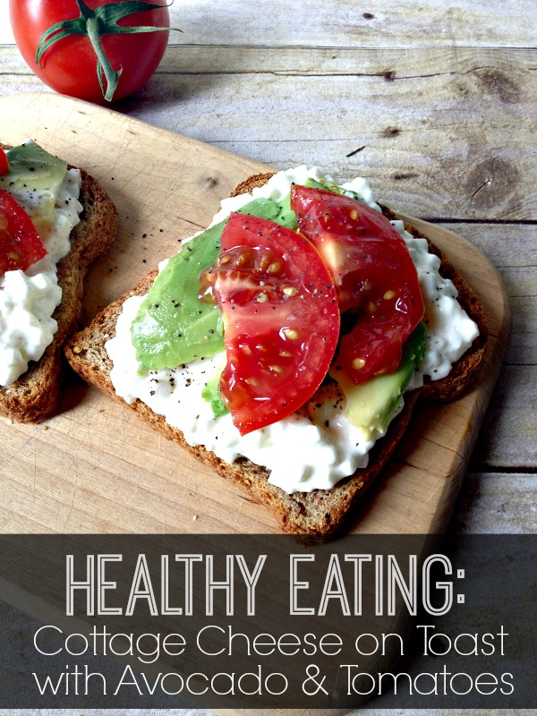 Cottage-Cheese-on-Toast-with-Avocado-and-Tomatoes