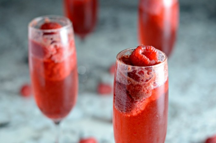 bellini-with-raspberry