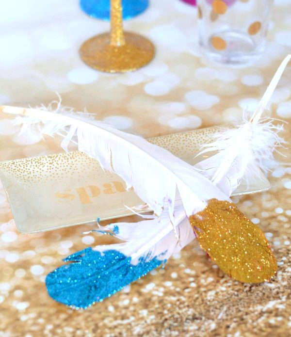 How-to Glitter Feathers