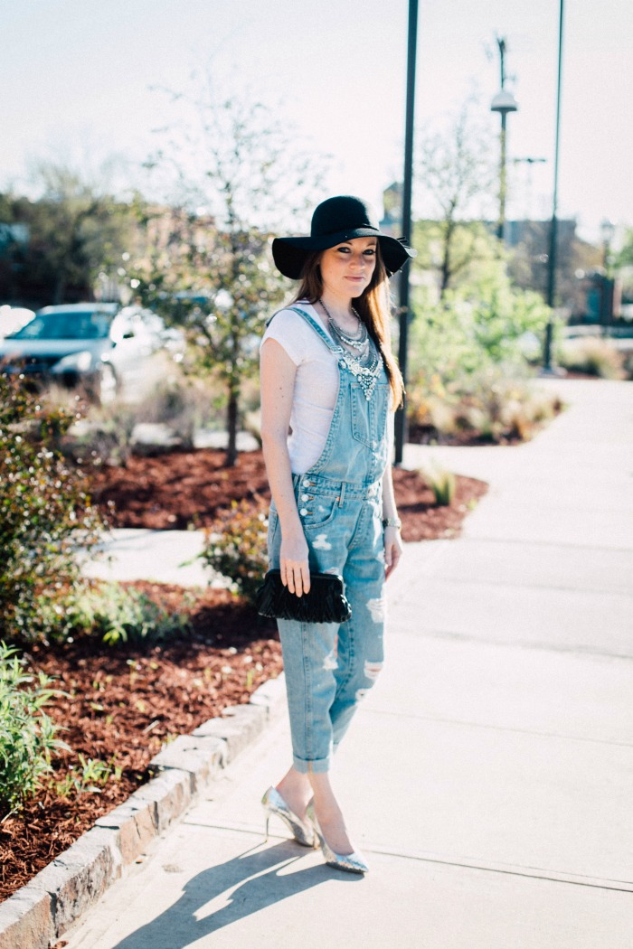 Looking for a fun date night outfit? How about styling your overalls! Cuff your hems, add some heels, throw on a statement necklace and floppy hat and you're in business!
