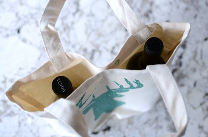 looking-into-dual-wine-stag-tote