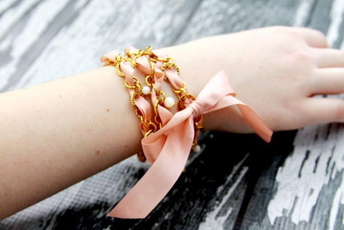 Pearls-and-Chain-Ribbon-Bracelet