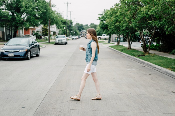 How to Wear White Jean Shorts for Summer