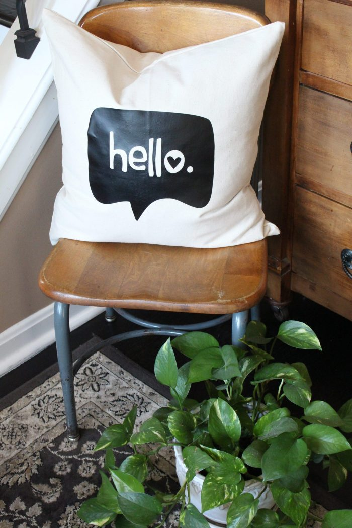 diy-hello-pillow-cover